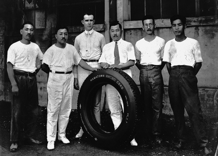 The first corded tire produced by the Hiranuma Plant (circa 1920)