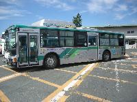 「TY517E」を装着した遠州鉄道のハイブリッドバス