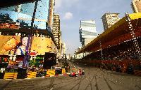 市街地の特設コースで行われるマカオグランプリには毎年多くの観客が訪れる