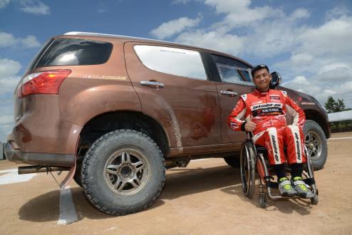 Takuma Aoki and racing vehicle