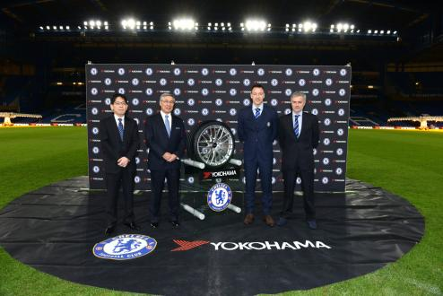 Commemorative picture at Chelsea FC home ground Stamford Bridge. (From right) Chelsea Manager Jose Mourinho, Chelsea Captain John Terry, Yokohama Rubber Chairman and CEO and Representative Director Tadanobu Nagumo and Yokohama Rubber Director and Managing Corporate Officer Hideto Katsuragawa.