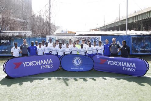 Commemorative picture in the Chelsea FC's football training camp