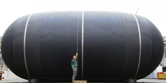 直径6mの超大型防舷材