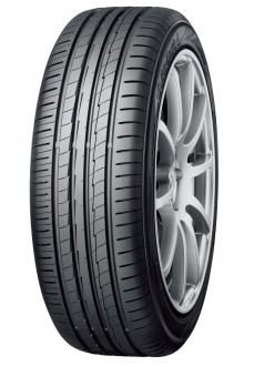"""""""BluEarth-A AE-50"""" Tire shown in photo differs in size from those installed on the Tiguan  (wheel shown in the photo is not standard equipment)"""