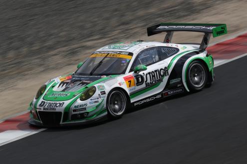 GT300クラスの開幕戦で2位となった「D'station Porsche」