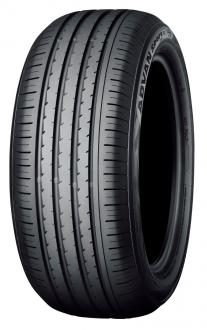 "The ""ADVAN Sport V105""  Tire shown in photo differs in size from those installed on  the new E-Class 53-series"