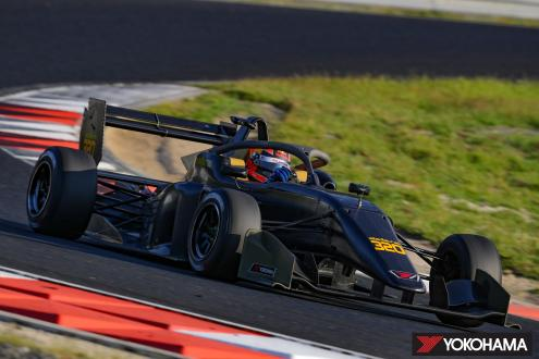 Dallara 320 machine used in the Japanese SUPER FORMULA LIGHTS Championship